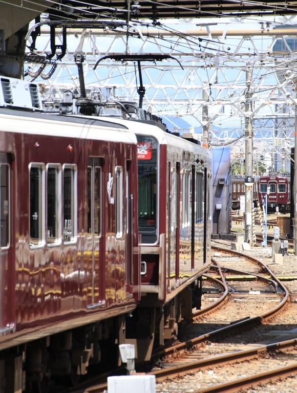 阪急8040系 正雀回送_d0202264_1437619.jpg