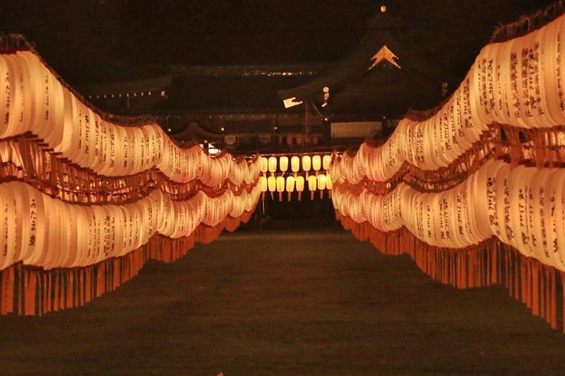 万灯みたま祭@護国神社・3♪_a0167759_1174228.jpg