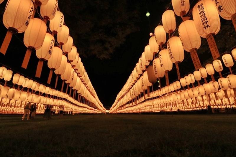 万灯みたま祭@護国神社・3♪_a0167759_151086.jpg