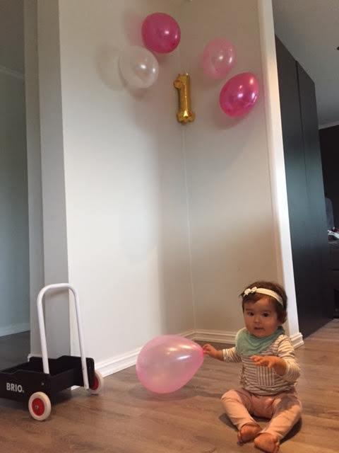 娘1歳になりました_a0229904_06452070.jpg