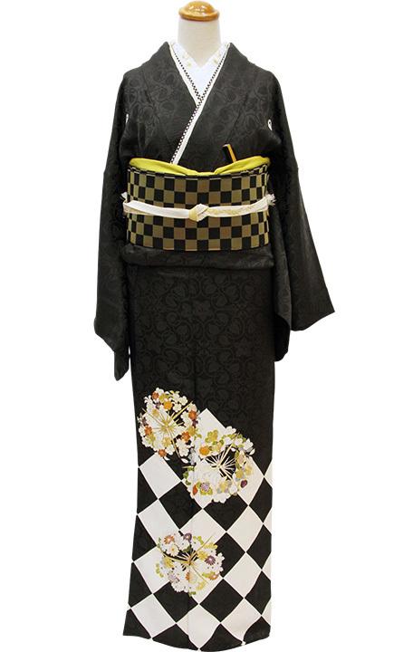 格上の黒留袖のおしゃれモダン装い_b0098077_13585779.jpg