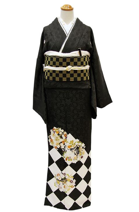 格上の黒留袖のおしゃれモダン装い_b0098077_13595232.jpg