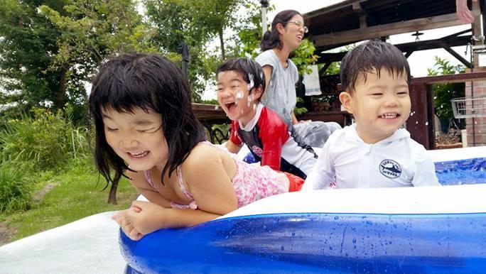 お庭で水遊び_d0080906_12243974.jpg