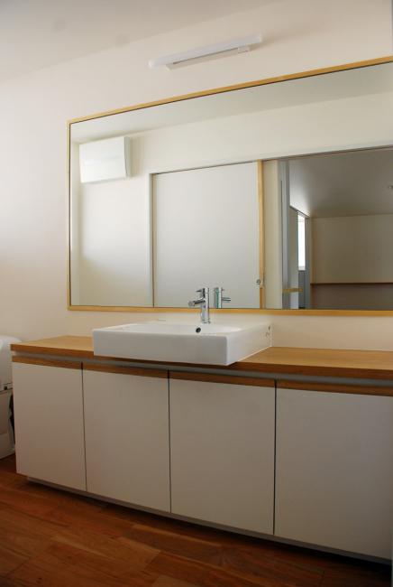洗面室兼トイレ/方形の平屋/岡山_c0225122_15594507.jpg