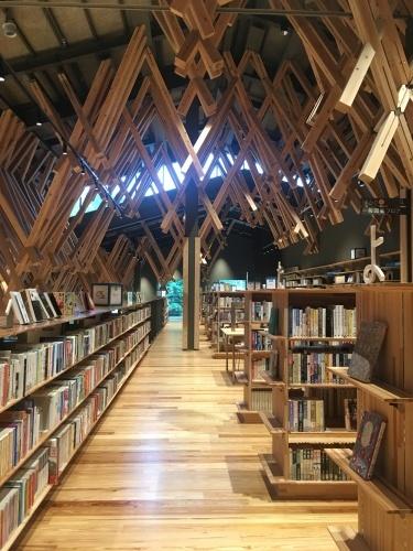建築探訪 雲の上の図書館_e0028417_22043677.jpg