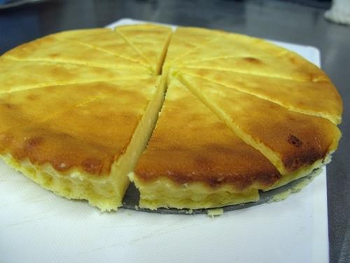 生クリームを使わないチーズケーキ_f0129726_20424354.jpg