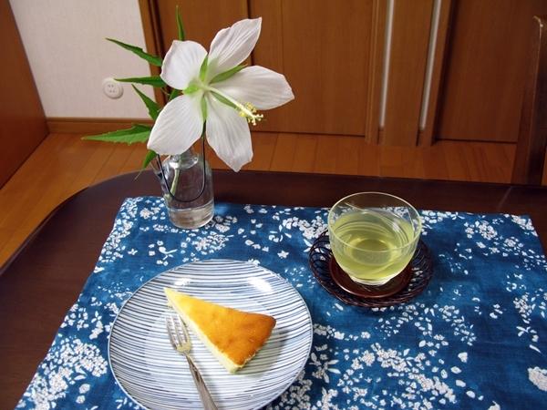 生クリームを使わないチーズケーキ_f0129726_20485292.jpg