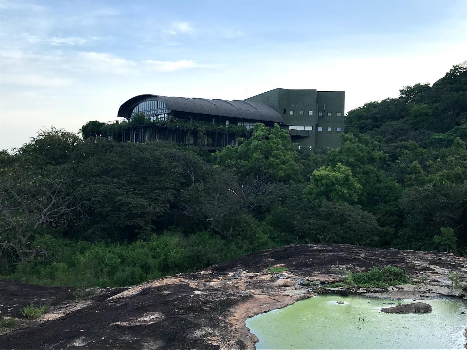 スリランカ・バワ建築紀行3/カンダマラ_c0189970_08452642.jpg