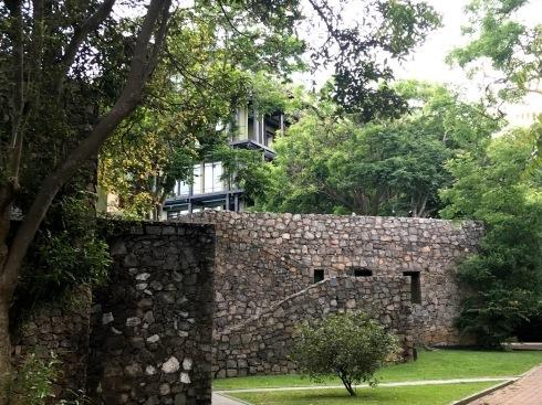 スリランカ・バワ建築紀行3/カンダマラ_c0189970_08455218.jpg