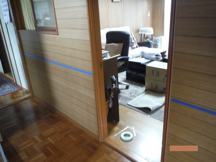 手摺と段差解消 ~ 階段と廊下に。_d0165368_07320624.jpg