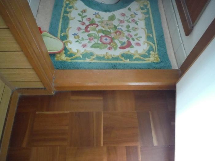 手摺と段差解消 ~ 階段と廊下に。_d0165368_07322394.jpg