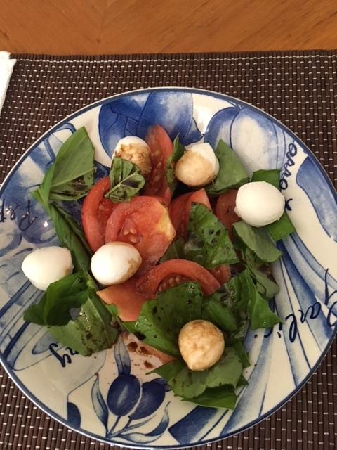 桃太郎トマト、カニとサーモンのちらし寿司 - 今週の日本食_e0350971_08462315.jpg