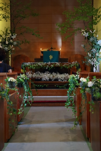 代官山の教会装花 本多記念教会様へ 一会夏の出張レッスン8月25日_a0042928_19320758.jpg