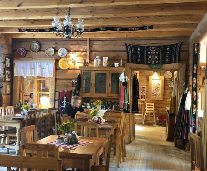 ポーランドの旅 22  ウォヴィチ で切り絵体験♪_a0092659_01394241.jpg