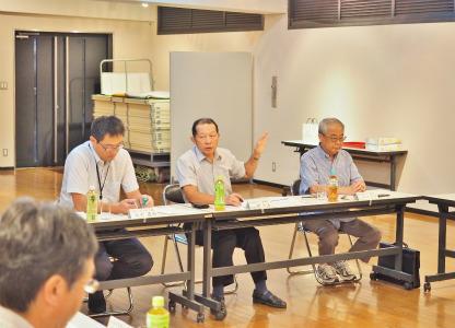 市の「行政改革推進委員会」が会館で開かれました_c0336902_20272798.jpg