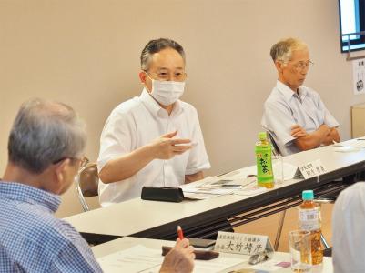 市の「行政改革推進委員会」が会館で開かれました_c0336902_20273194.jpg