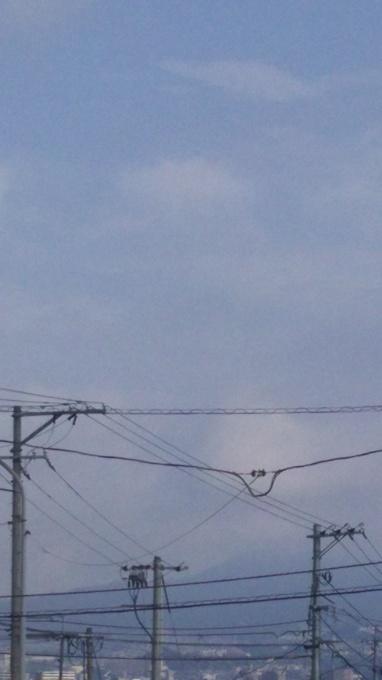 水蒸気が多そうな大空_e0094315_08171773.jpg