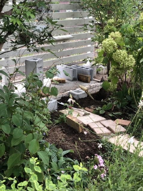 紫陽花の挿し木とDIY小屋もどき計画_a0243064_15475424.jpg