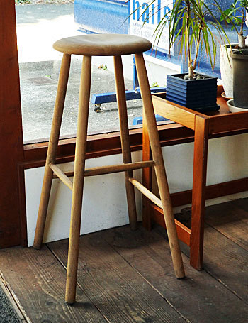 High stool_c0139773_18231122.jpg