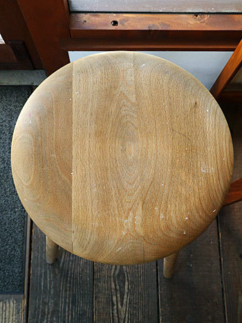 High stool_c0139773_18260762.jpg