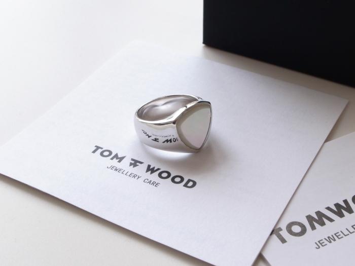 TOM WOOD SHIELD WHITE MOP RING_f0111683_13131526.jpg