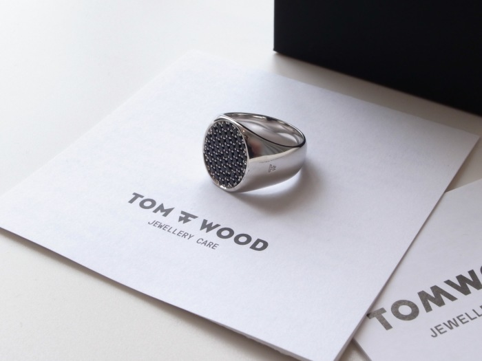 TOM WOOD PINKIE OVAL BLACK SPINEL RING_f0111683_13201511.jpg