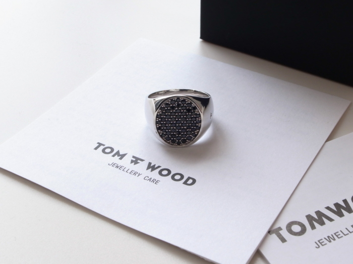 TOM WOOD PINKIE OVAL BLACK SPINEL RING_f0111683_13201903.jpg