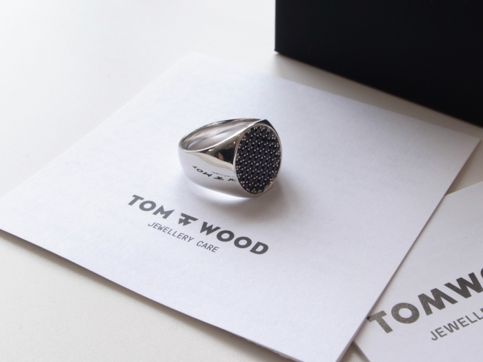 TOM WOOD PINKIE OVAL BLACK SPINEL RING_f0111683_13202464.jpg