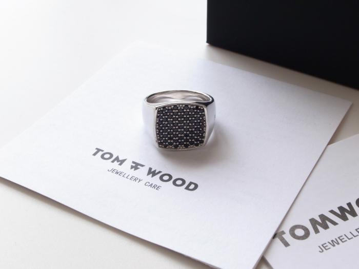 TOM WOOD PINKIE CUSHION BLACK SPINEL RING_f0111683_13221843.jpg