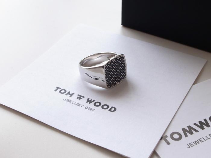 TOM WOOD PINKIE CUSHION BLACK SPINEL RING_f0111683_13222382.jpg