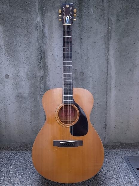 1969年YAMAHA FG-110 ヤマハ赤ラベル RED LABELフォークギター_f0197703_10270419.jpg