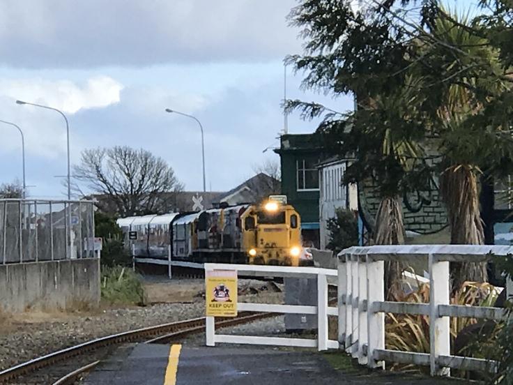 冬のニュージーランド旅(27)トランツアルパインでクライストチャーチに戻ります(飲み鉄Part2)_c0212604_2129917.jpg