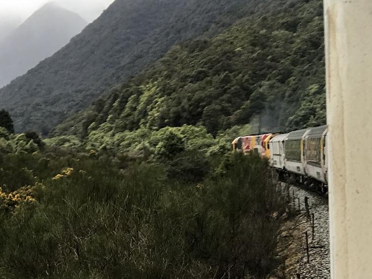 冬のニュージーランド旅(27)トランツアルパインでクライストチャーチに戻ります(飲み鉄Part2)_c0212604_2132054.jpg