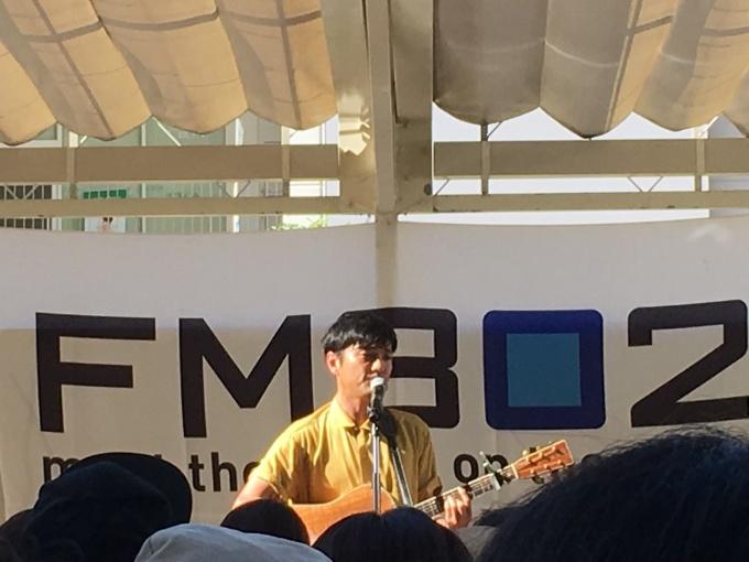 FM802の森山直太朗ミニトーク&ライブ_a0100706_22103149.jpg