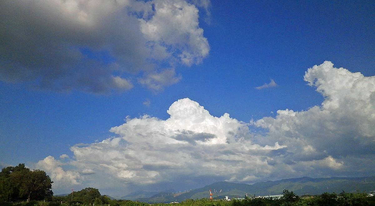 続きますが、 ASO KUMAMOTO AIRPORT。_b0044115_09254457.jpg
