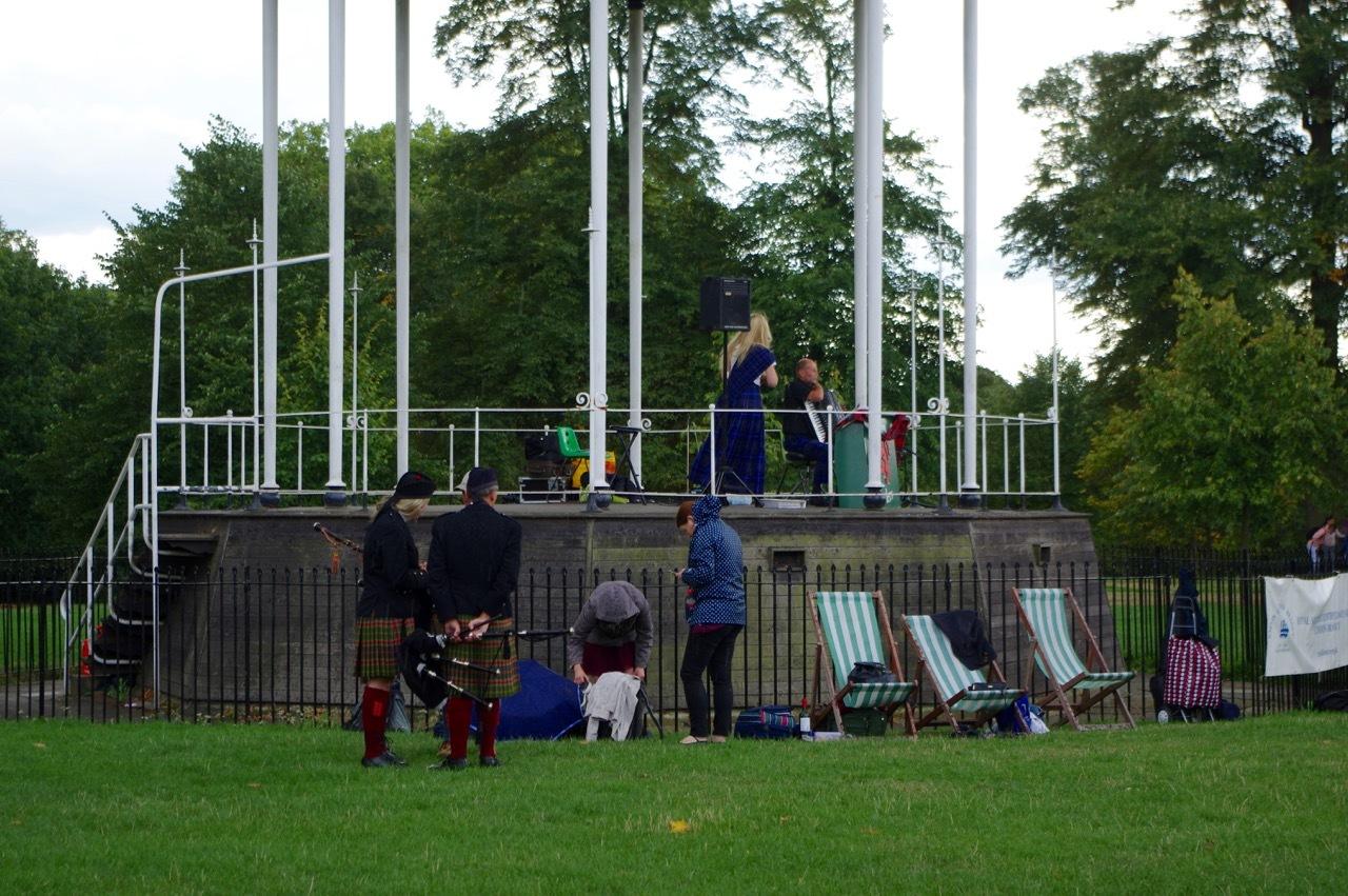 楽しみ盛りだくさん、土曜日のケンジントン・ガーデンズ_e0114020_16344762.jpg