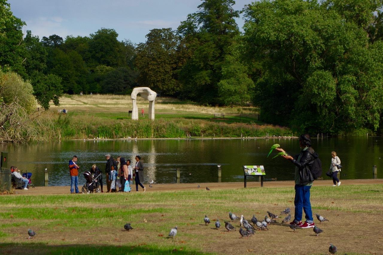 楽しみ盛りだくさん、土曜日のケンジントン・ガーデンズ_e0114020_16373200.jpg