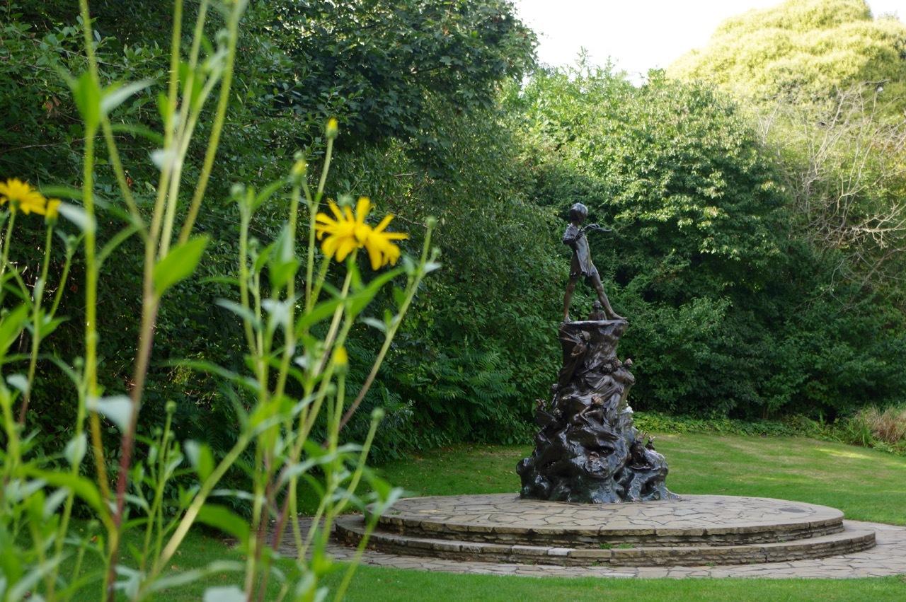 楽しみ盛りだくさん、土曜日のケンジントン・ガーデンズ_e0114020_17035765.jpg