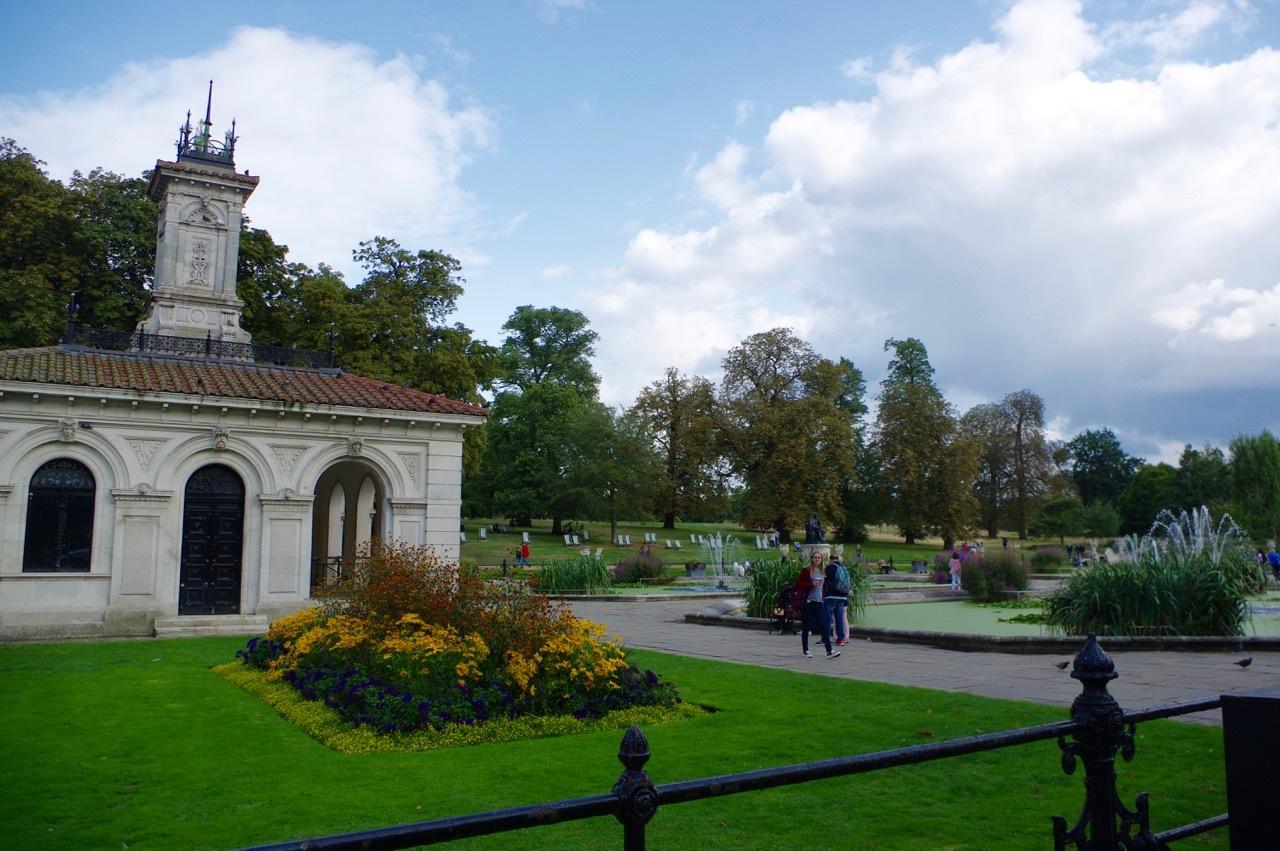 楽しみ盛りだくさん、土曜日のケンジントン・ガーデンズ_e0114020_17134402.jpg