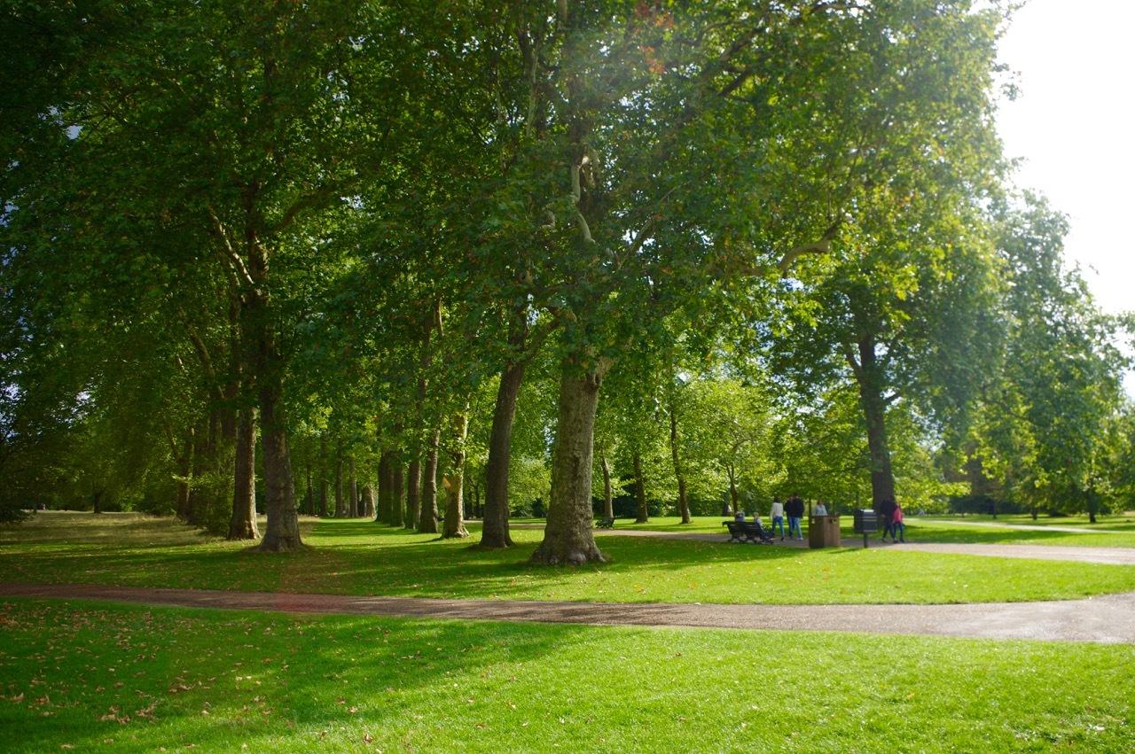 楽しみ盛りだくさん、土曜日のケンジントン・ガーデンズ_e0114020_17140206.jpg