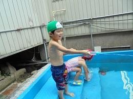 プール遊び ~さくら組~_c0212598_18114950.jpg