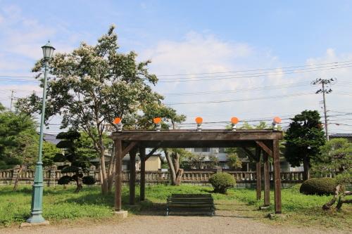 今日からアルツハイマー月間なので、ライトアップをオレンジに!_c0075701_09305296.jpg