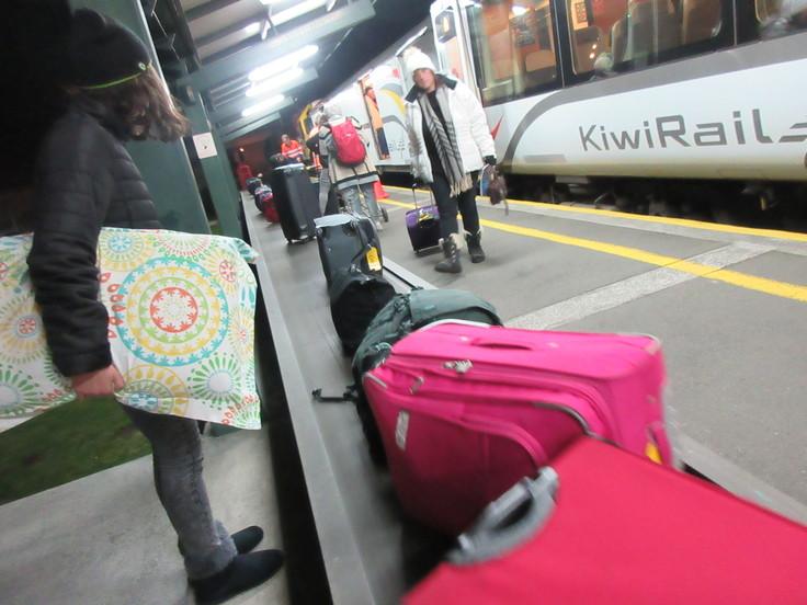 冬のニュージーランド旅(27)トランツアルパインでクライストチャーチに戻ります(飲み鉄Part2)_c0212604_6515616.jpg