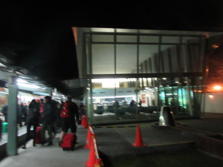冬のニュージーランド旅(27)トランツアルパインでクライストチャーチに戻ります(飲み鉄Part2)_c0212604_6522797.jpg