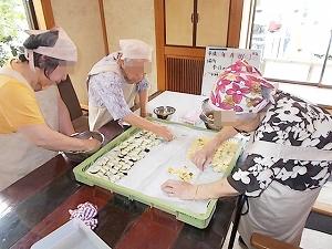 干し野菜 作ってます!_e0116086_17235930.jpg