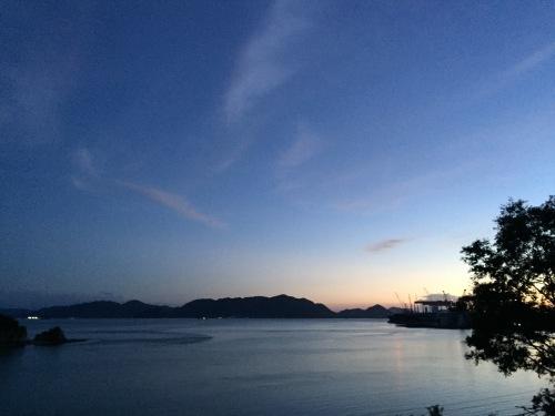 瀬戸内海が一望できるカフェへ_e0295926_15051736.jpg