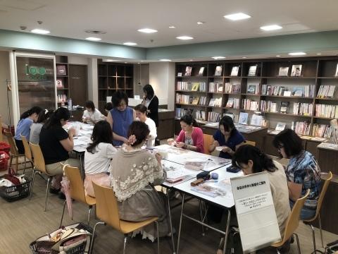 『しあわせのリボン刺しゅう』 出版記念ワークショップ《花リースのコンパクトミラー》増設クラス@西武渋谷サンイデー にご参加くださった皆さま どうもありがとうございました_a0157409_12490120.jpeg