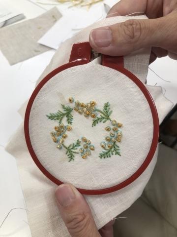 『しあわせのリボン刺しゅう』 出版記念ワークショップ《花リースのコンパクトミラー》増設クラス@西武渋谷サンイデー にご参加くださった皆さま どうもありがとうございました_a0157409_12534987.jpeg
