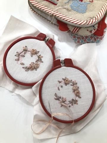 『しあわせのリボン刺しゅう』 出版記念ワークショップ《花リースのコンパクトミラー》増設クラス@西武渋谷サンイデー にご参加くださった皆さま どうもありがとうございました_a0157409_12543027.jpeg
