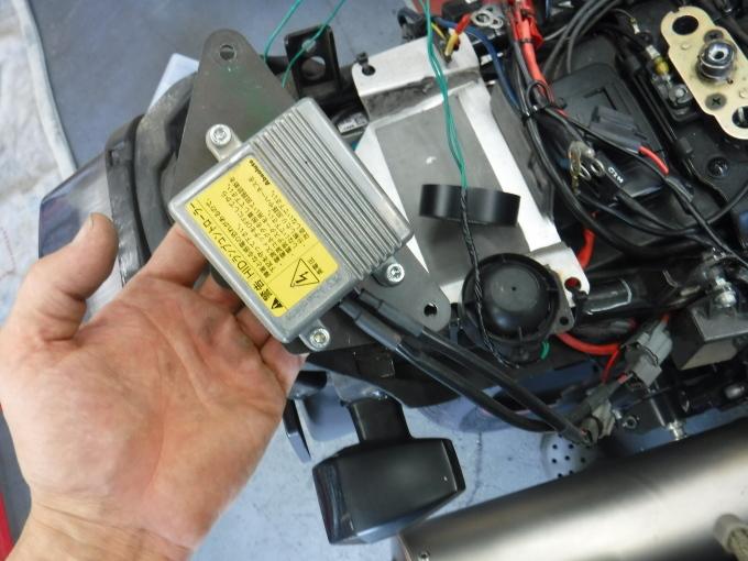 ZRX1100コンさん号の外装交換でした。・・・その1_a0163159_21363822.jpg